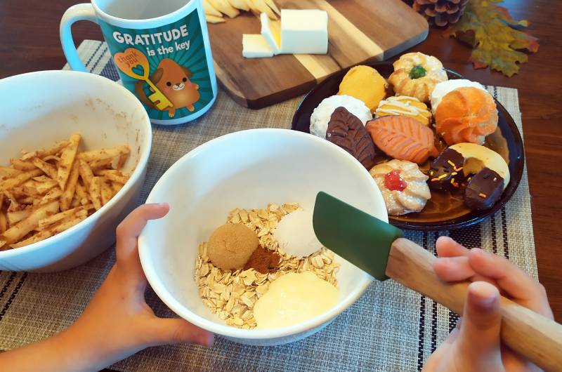 easy apple crisp in a mug recipe